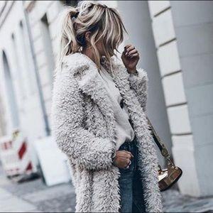 🎉HP🎉 Plush Faux Fur Sherpa Coat